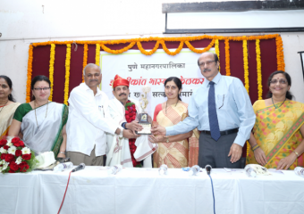 DR.-SHRIKANT-KELKARS-FELICITATION-AT NIOEYES HOSPITAL PUNE